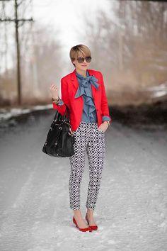 red blazer, bow tie blouse, black & white patterned skinnies, red shoes via s e e r s u c k e r + s a d d l e s: Graphic Snow