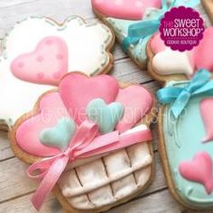 Love basket and Mason Jar Cookies for ideas only. No Bake Sugar Cookies, Fancy Cookies, Iced Cookies, Cute Cookies, Royal Icing Cookies, Cookies Et Biscuits, Valentines Sweets, Valentines Day Cookies, Cupcakes