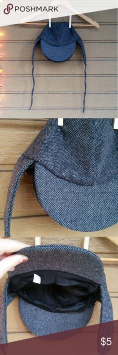 Sherlock Hat Good condition Used for a costume a few Halloweens ago  **3 for $10 deal: any 3 five dollar items for $10  **Cat friendly, smoke free home Accessories Hats