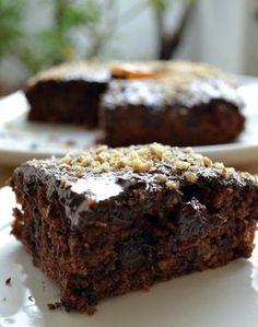 Κέικ σοκολάτας νηστίσιμο με πορτοκάλι και καρύδια