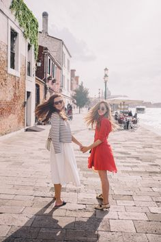 Gal Meets Glam A Day In Venice - Anthropologie dress and Chanel loafers