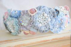 Купить или заказать Обруч 'Розовое небо' в интернет-магазине на Ярмарке Мастеров. Стильный модный и яркий обруч создан в основном из винтажных материалов. Необычное сочетание голубого и розового привлекает внимание. Хорошо дополнит ваш образ например в стиле бохо.…