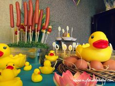 My Lovable Baby: Happy moments: Το πάρτι μας...στη λίμνη (rubber duck 1st birthday party)