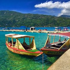 Take a boat ride to Belly Beach and enjoy clear waters and breathtaking views of Labadee.