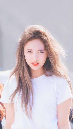 OH POO ,I Need A hair Brush Rat Now ! Nayeon from Twice.What in the Devil is wrong with this Woman ,Comb that Hair ,Lady! Kpop Girl Groups, Korean Girl Groups, Kpop Girls, Bts Kim, Chaeyoung Twice, Nayeon Twice, Twice Kpop, Twice Jungyeon, Tzuyu Twice