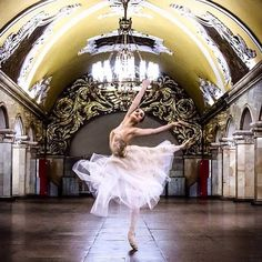 Joy Womack (@joy.womack), graduate of the Bolshoi Ballet Academy and current principal dancer with the Kremlin Ballet. © @octaviakolt ------ Be sure to follow another new fanpage that I just created ⬇️ @joywomackfanpage