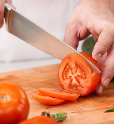 Use Clorox® Splash-less Bleach to keep your wood and plastic cutting boards clean and ready for food-prep with these simple tips.