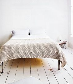 Perfect knit blanket (but must I knit? A possible ambitious winter project)