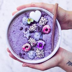 Purple rain ☔️ in the smoothie bowl today.