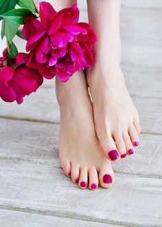 nice Trendy pedicure design 2016 - News and trends photos) - Woman Hair Style Pretty Toe Nails, Pretty Toes, Mani Pedi, Manicure And Pedicure, Pedicure Spa, Pedicure Designs, Nail Designs, Jolie Nail Art, Beautiful Toes