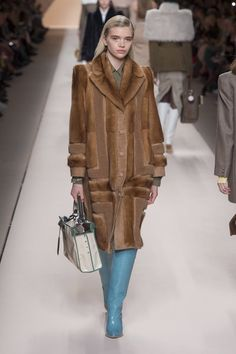 The complete Fendi Fall 2018 Ready-to-Wear fashion show now on Vogue Runway.