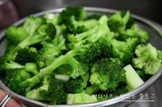초특급간단~~고소 상큼한 브로콜리샐러드 : 네이버 블로그 Broccoli, Food And Drink, Dressing, Cooking Recipes, Vegetables, Business, Chef Recipes, Food And Drinks, Food Food
