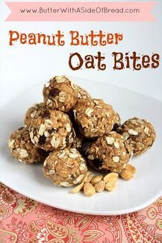 Peanut Butter Oat Bites ~ these are super easy to make and are great for snacks, breakfast, lunch, etc. Butter with a Side of Bread #recipe