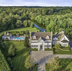 Tommy Mottola Sells Greenwich House - Tommy Mottola Home Photos Greenwich House, Greenwich Connecticut, Dream House Exterior, House Goals, Thalia, My Dream Home, Dream Homes, Exterior Design, Future House