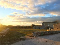 SUNSET au @masdebaumes ! . . MAS DE BAUMES hôtel et restaurant . Pic Saint Loup (34) . Tout sur #PintadePicSaintLoup . __________________ #masdefrance #masdebaumes #chambredhotes #picsaintloup #travel #blogtravel #travelgram #bloggertravel #voyage #trip #Montpellier #pintademontpellier #occitanie #roadtrip #oenologie #wine #gastronomie #randonnee Pic Saint Loup, Road Trip, Montpellier, Country Roads, Restaurant, Instagram, Fine Dining, Everything, Travel