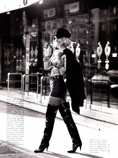 """Donna Bunte """"Pretty Woman"""", Glamour France, July 1991 Photographed by Thierry Le Goues Best Vacation Destinations, Best Vacations, Julia Roberts, Glamour France, 90s Models, Vintage Boots, Vogue Fashion, View Image, Free Pictures"""
