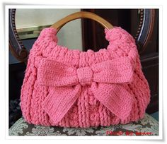 My new Crochet handbag  Pattern  http://gosyo.co.jp/english/pattern/eHTML/ePDF/1006/3w/Ribbon_Accent_Bag.pdf