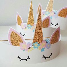 Unicorn Party: Check out Decorating Ideas for Your Event - Hanna party - Festa Kids Crafts, Diy And Crafts, Unicorn Birthday Parties, Girl Birthday, Unicorn Party Hats, Birthday Ideas, Paper Crowns, Unicorn Headband, Unicorn Headpiece
