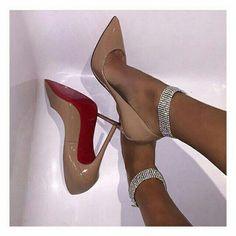 Beige patent leather heels