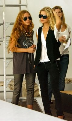 Throwback of Mary-Kate and Ashley Olsen in rocker chic looks. #olsentwins #style #fashion