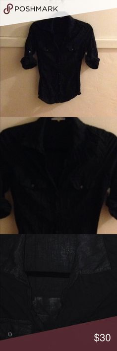 James Perse cotton button up sz 2 James Perse black button up 3/4 sleeve. Low v neck. Complimentary to body. Comfortable. Soft material. Great essential piece to anyone's closet. Gently used great condition. Sz 2 James Perse Tops Button Down Shirts