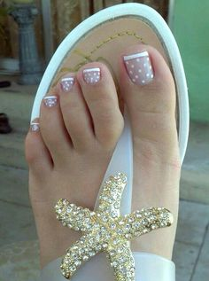 Pedicure Dots