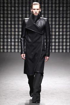 Gareth Pugh coat <3