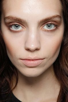 Matthew Williamson Fall 2011. http://votetrends.com/polls/369/share #makeup #beauty #runway #backstage