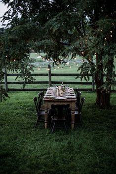 gathering from scratch: a workshop retreat pt. gathering from scratch: a workshop retreat pt. 2 Love an al fresco dining spot! For some great dining homewares inspiration to show off your outdoor space in style take a peek here www. Outdoor Dining, Outdoor Spaces, Dining Table, Wood Table, Dining Rooms, Dining Area, Local Milk, Shenandoah Valley, Al Fresco Dining