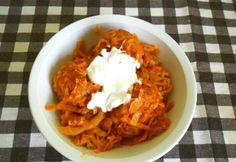 Húsgombócos káposzta pörköltösen Hungarian Recipes, Meal Planning, Grains, Recipies, Food And Drink, Rice, Amazing, Recipes, Seeds