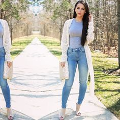 Spring is in the air☀️ New affordable look is up on the blog!!! Direct link in my profile @thefashionbybel