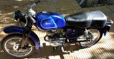 Moto antigua Puma 125cc. tercera serie restaurada con piezas originales. Sin faltantes. Funcionando. Impecable. Toda la documentación, lista para transferir.