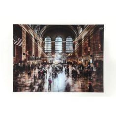 Πίνακας Glass Grand Central Station 120x160 Μία εντυπωσιακή εικόνα από την καθημερινότητα των μεγαλουπόλεων που απεικονίζει τον σταθμών των τρένων σε ψηφιακή εκτύπωση σε γυαλί.