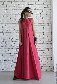 Купить или заказать Платье цвета фуксии в интернет-магазине на Ярмарке Мастеров. ПЛАТЬЕ by METAMORPHOZA Модное розовое платье - это идеальный выбор для повседневной жизни или особых событий! Отличный способ раскрасить Вашу весну и лето! Это легкое платье выйглядить красиво и на большимх каблуках и в кроссовках . Изготовлено из высококачественного хлопка. Также может быть сделано с длинными рукавами. Это длинное платье очень удобно и модно!