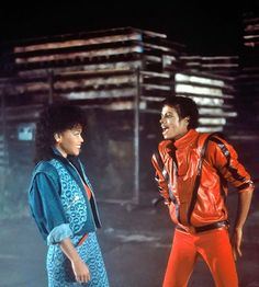 Its close to midnight. Michael Jackson Outfits, Michael Jackson Quotes, Michael Jackson Rare, Michael Jackson Thriller, Jackson Music, Jackson 5, Mj Music, Film Movie, Movies