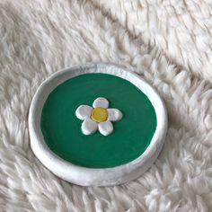 Fimo Clay, Ceramic Clay, Ceramic Pottery, Pottery Art, Clay Art Projects, Clay Crafts, Clay Jewelry, Jewelry Tray, Flower Jewelry