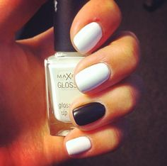 Elegant blac and white nails:D