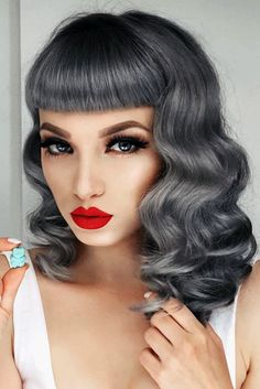Trendy Hair Color Picture DescriptionIf you are naturally going gray, you can now embrace and enhance your hair color. There are a lot of trendy grey hair looks. From silvery gray to ombre gray, there is no limit to the number of styles for grey hair. Grey Ombre Hair, Silver Grey Hair, Medium Hair Styles, Curly Hair Styles, Natural Hair Styles, Vintage Hairstyles, Cool Hairstyles, Hair Color 2017, Rockabilly Hair
