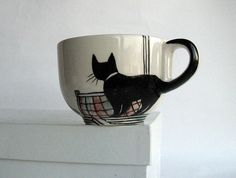 I am going to sketch this design on a white mug with a sharpie and bake the cup in the oven to make it permanent. (Creative Baking Sharpie Mugs) Sharpie Crafts, Sharpie Art, Sharpies, Black Sharpie, Sharpie Plates, Cat Crafts, Pottery Painting, Ceramic Painting, Ceramic Art