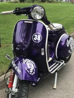 Hayling Island Scooter Rally 2018 : lots of beautiful scooters sunshine and some crazy people; all the ingredients for a fantastic weekend! Piaggio Vespa, Lambretta Scooter, Vespa Scooters, Vespa Gtv, Scooter Motorcycle, Motorcycle Girls, Motorcycle Quotes, Vintage Vespa, Retro Scooter