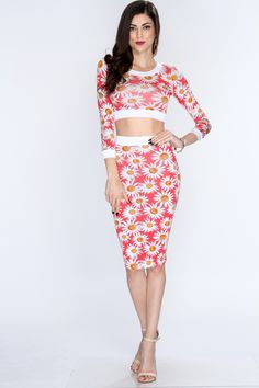 If youre craving to capture a look full of retro recollection, take a gander at this darling outfit. Pair with ankle-tied espadrilles, a woven handbag, and a bow clipped in your hair for a look of good, old-fashioned glam! This two piece outfit features crop top, 3/4 sleeves, daisy print followed by matching pencil skirt. 96% Polyester 4% Spandex
