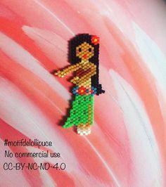 Bonjour IG, je continue ma serie de danseuse, il fallait bien une petite tahitienne ♀️  #miyuki #perlesmiyuki #miyukibeads #miyukiaddict #jenfiledesperlesetjassume #jenfiledesperlesetjaimeca #perleuseaddict #perleusecompulsive #brickstitch #lollipuce #motifdelollipuce #motiflollipuce #beadart