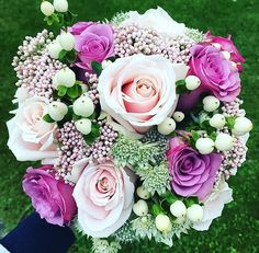 #sweetavalanche kind of day! Bouquet by @posies_and_pots #meijerroses #weddinginspiration #weddingideas #weddingflowers #weddingdecor #bride #flowers #flowerstagram #flowerslover #roses
