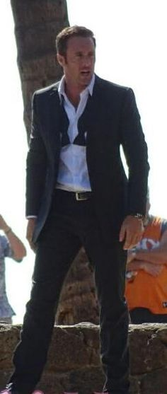 Alex O'Loughlin Hawaii Five-0 5.25 love him in a Tux