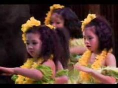 Keiki dancing Green Rose Hula