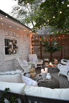 amazing small backyard patio ideas on a budget 20 Outdoor Rooms, Outdoor Living, Small Outdoor Spaces, Outdoor Life, Outside Fall Decorations, Backyard Patio Designs, Patio Ideas, Backyard Ideas, Fence Ideas