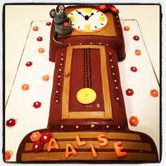 Hickory dickory dock cake!