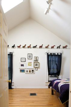 Displaying Breyer horses in the home decor