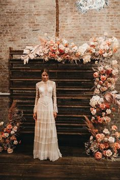 rust wedding color wooden pallette backdrop with roses and pampas grass #wedding #weddings #weddingcolors #dpf #fallwedding #rusticweddings