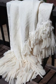Couture Dreams Chichi Ivory Linen Throw